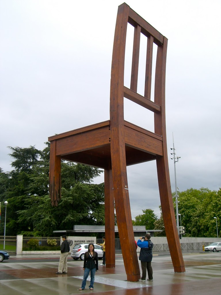 united-nations-big-chair