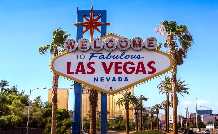 Things to do in Las Vegas besides gamble >> 50 ideas for your Las Vegas itinerary!
