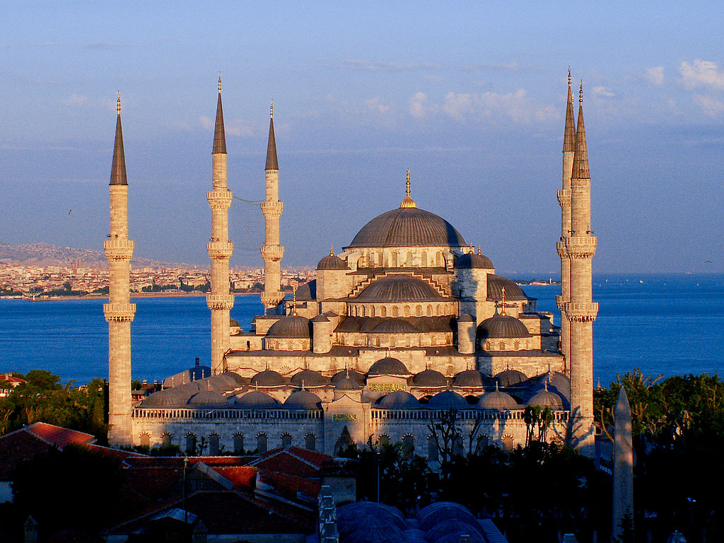 1024px-The_Blue_Mosque_at_sunset