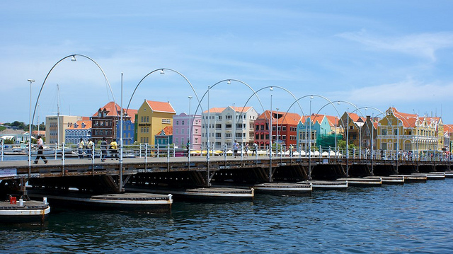 48 Hours in Curacao >> what to see, do, eat, and enjoy! Let's GO to Curacao! GREAT PIN! Definitely saving it for later!