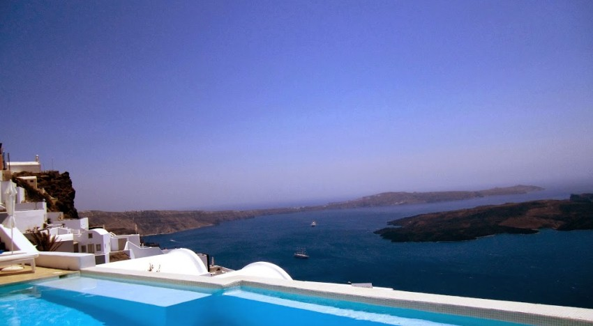 Why You Need to Stay at Astra Suites in Santorini