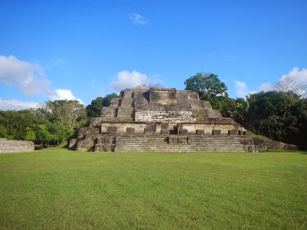 mayan ruins san pedro belize