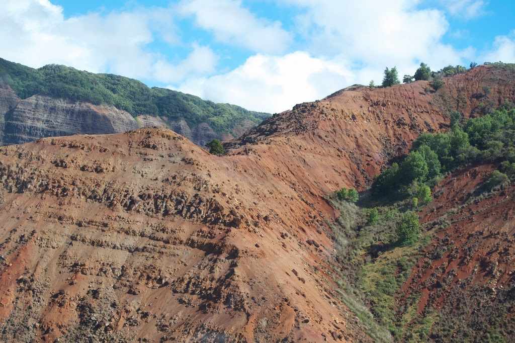 Taking a HELICOPTER ride in Kauai >> an EPIC thing to do in Hawaii | www.apassionandapassport.com