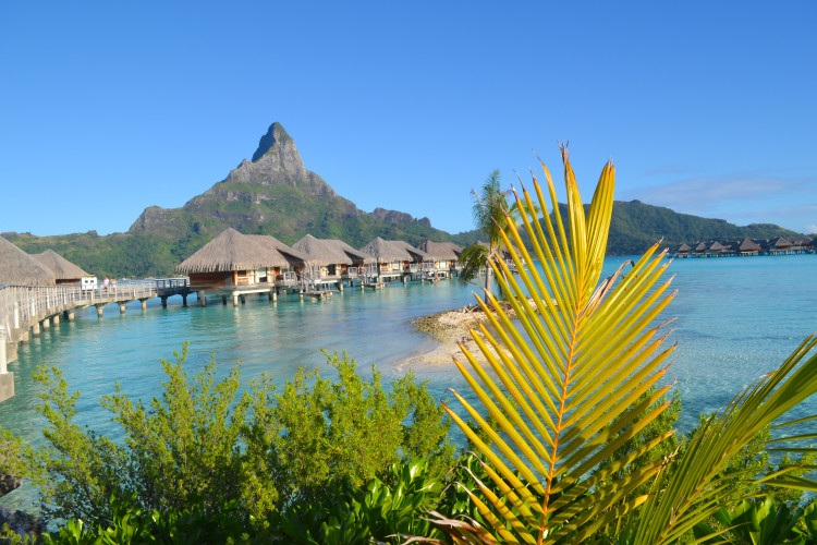 30 photos to inspire you to visit Bora Bora!   www.apassionandapassport.com