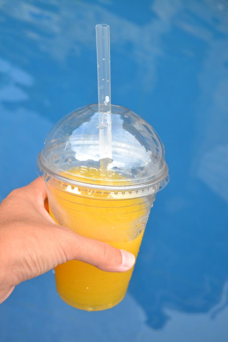 smoothie at pool guatemala