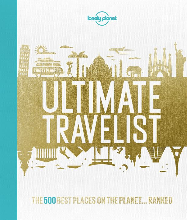 2015 Gift Guide for Your Travel Obsessed Friend | www.apassionandapassport