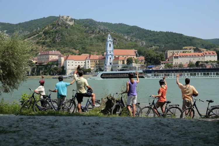 Where to Stop on a River Cruise: Durstein, Austria | www.apassionandapassport.com