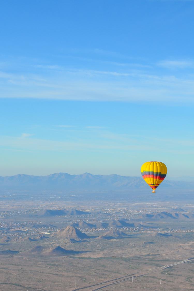 Hot Air Balloon Ride in Scottsdale, Arizona srcset=