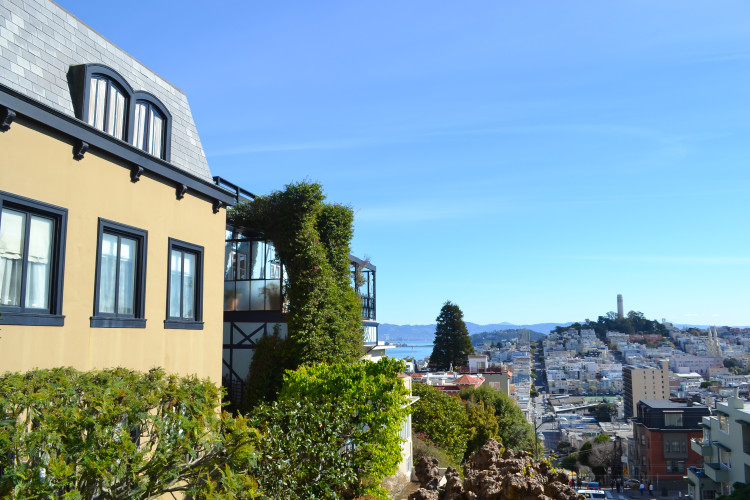 A First Time Visitor's Guide to San Francisco >> what to do + where to eat, PLUS insider travel tips from a local | www.apassionandapassport.com