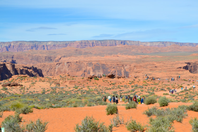 The short hike to Horseshoe Bend in Page Arizona = WORTH IT! | www.apassionandapassport.com