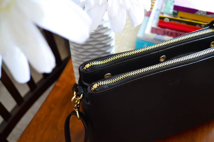 My all-time favorite everyday bag when traveling >> Lo and Son's Pearl Review | www.apassionandapassport.com