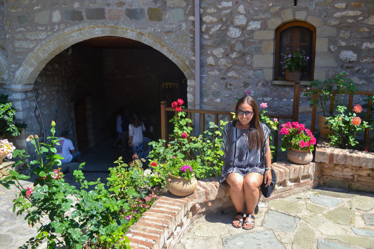 One day in Meteora Greece >> how to make the most of it!