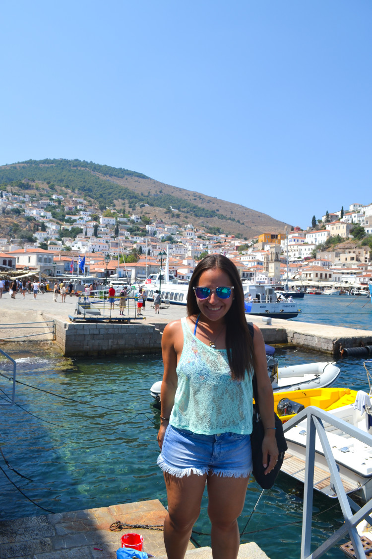 Sailing to THREE Greek islands in One Day from Athens srcset=