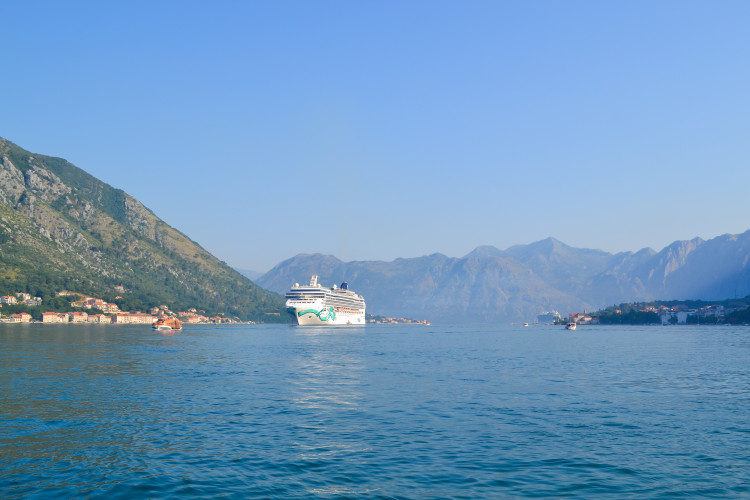 One Day in Kotor Montenegro >> where to get the best views and itinerary on how to make the most of your day!