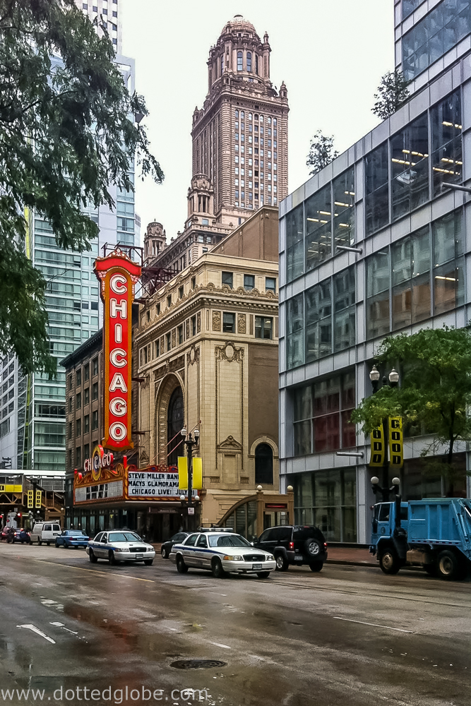 Planning a trip to the windy city soon?! Check out this post for loads of helpful tips and best things to do in Chicago!