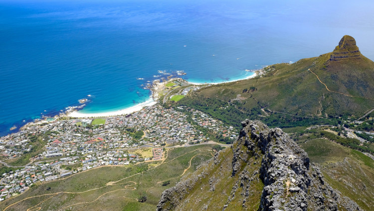 Heading to South Africa soon?! Check out this post on the top things to do in Cape Town! >> Can't wait to read this later!