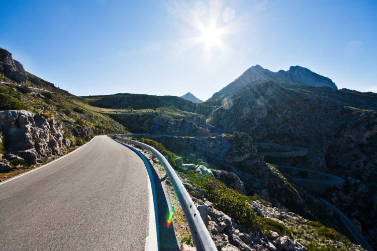 Looking for things to do in Majorca, Spain? This guide is perfect for my upcoming trip! Pinning to read for later!
