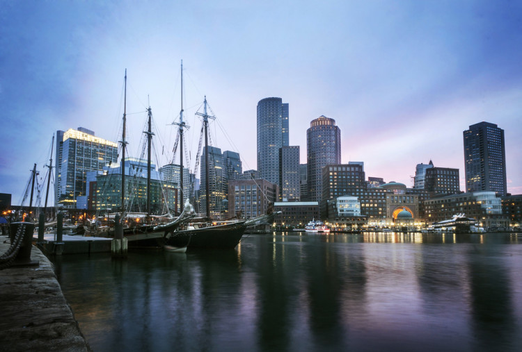Boston CITY GUIDE! >> Headed to New England soon and looking for things to do in Boston? You're in the right place! Click through for a full travel guide to Boston!