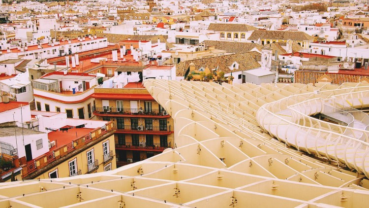 Heading to Spain and Portugal soon? Looking for the perfect two week Spain and Portugal itinerary! Check out this extremely detailed resource with everything you need to plan your trip! Optional Morocco add-on's as well!