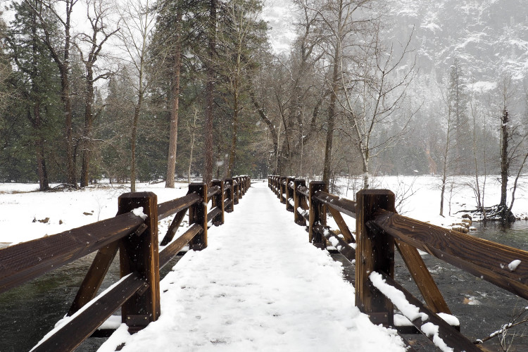 Come read about all the best things to do in Yosemite in the winter; plenty of spectacular photo stops and short wintery hikes included! Psst: Yosemite in March was absolutely stunning!