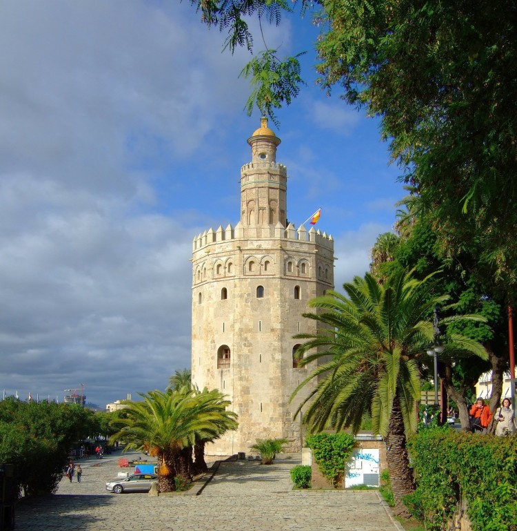 Heading to Spain soon and looking for things to do in Seville? Read on for tips and a bunch of things to do in Sevilla!