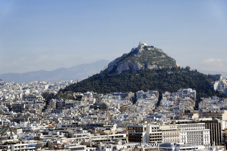 Heading to Greece and have 2 days in Athens? Come check out this perfect Athens itinerary srcset=