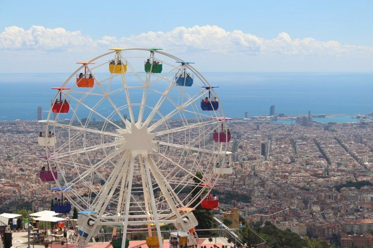Planning a trip and looking for the best 3 day Barcelona itinerary?! Get ready for tapas, sangria, tons of Guadi, and more in 3 days in Barcelona.